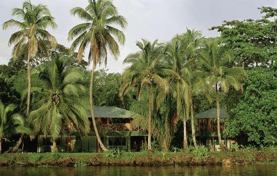 Top Honeymoon Destinations Worldwide & Their Costa Rica Equivalents