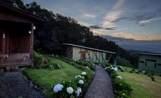 Chayote Lodge Recibidore-style bungalows