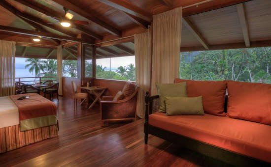Playa Cativo Lodge room