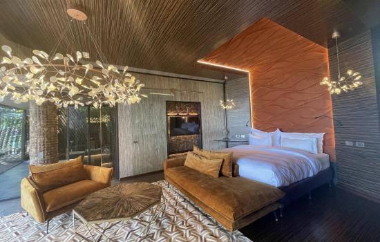 Honeymoon Junior Pool Suite