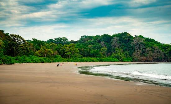 Isla Palenque Beach Hike