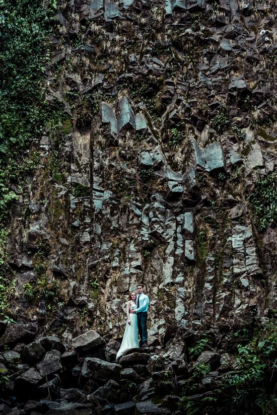 La Fortuna Waterfall rock face Toh-Gouttenoire