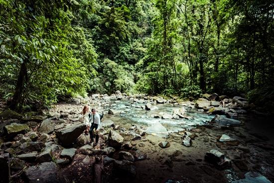 La Fortuna Waterfall swimming Toh-Gouttenoire