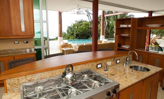 Casa Fantastica kitchen