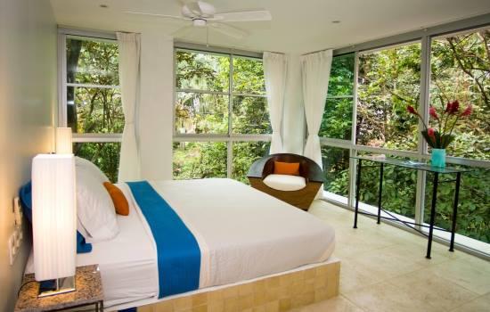 Casa Fantastica Upper Level Bedroom