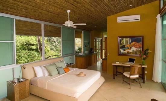 Casa Fantastica Upper Level Master Bedroom 1