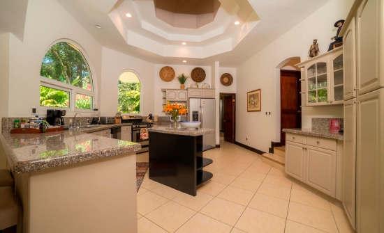 Casa Harmon kitchen
