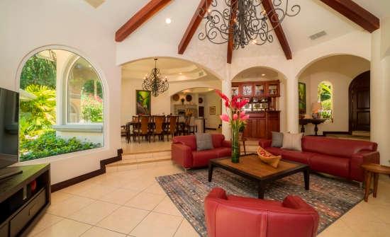 Casa Harmon living room