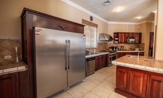 Casa Suenos kitchen