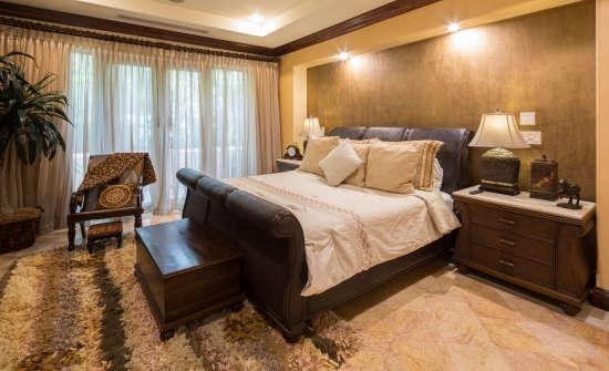 Villa La Perla bedroom