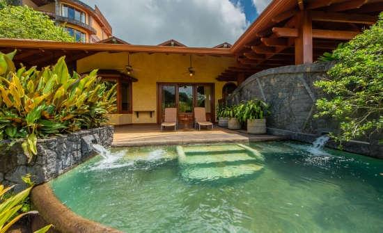 Villa Calatea pool